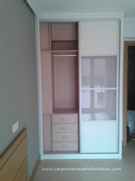 Mueble correderas con puertas serie blanco japonesa for Mueble 2 puertas blanco