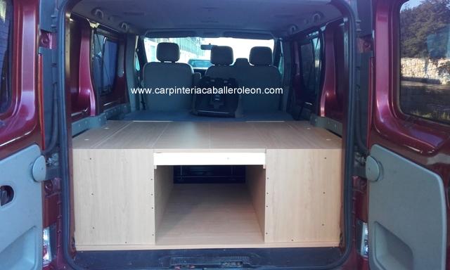 Mueble cama en la furgoneta carpinter a caballero le n for Muebles furgoneta camper
