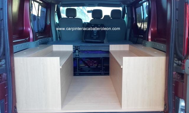 Mueble cama en la furgoneta carpinter a caballero le n for Muebles para furgonetas