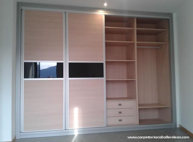 Nuevo armario de 4 puertas carpinter a caballero le n - Distribucion de armarios empotrados ...