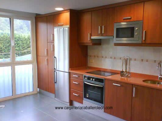 Muebles de cocina de madera carpinter a caballero le n for Modulos para cocina baratos
