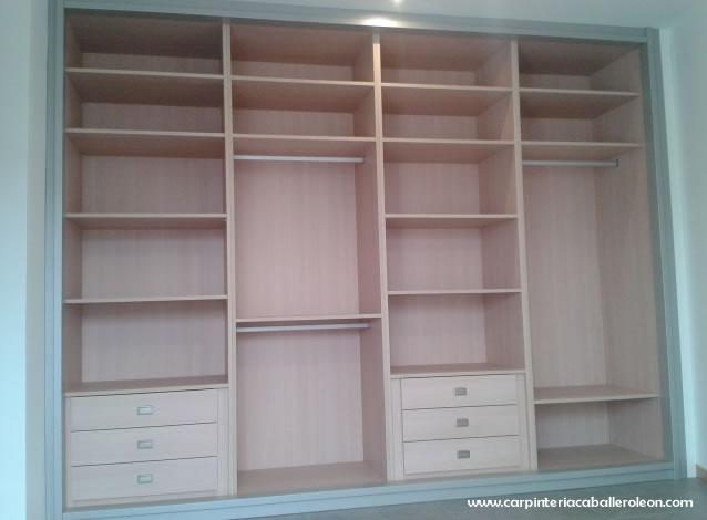 Nuevo armario empotrado 4 puertas caballero le n for Cajoneras para interior de armarios