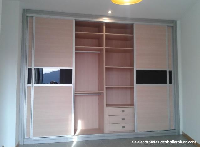 Nuevo armario de 4 puertas carpinter a caballero le n - Distribucion de armarios roperos ...